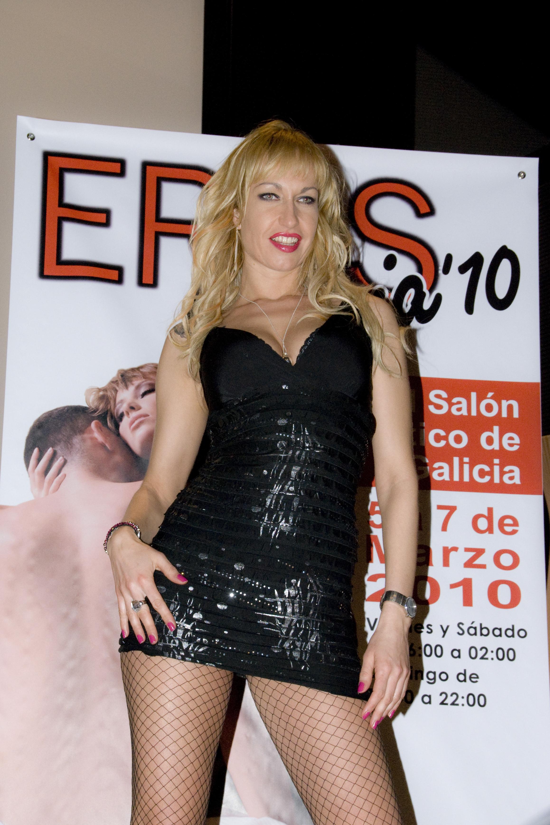 Actrices Porno Galicia quien es sophie evans la super-estrella de eros galicia 2010